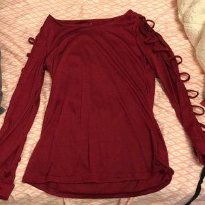 Maroon medium T-shirt with slit sleeves